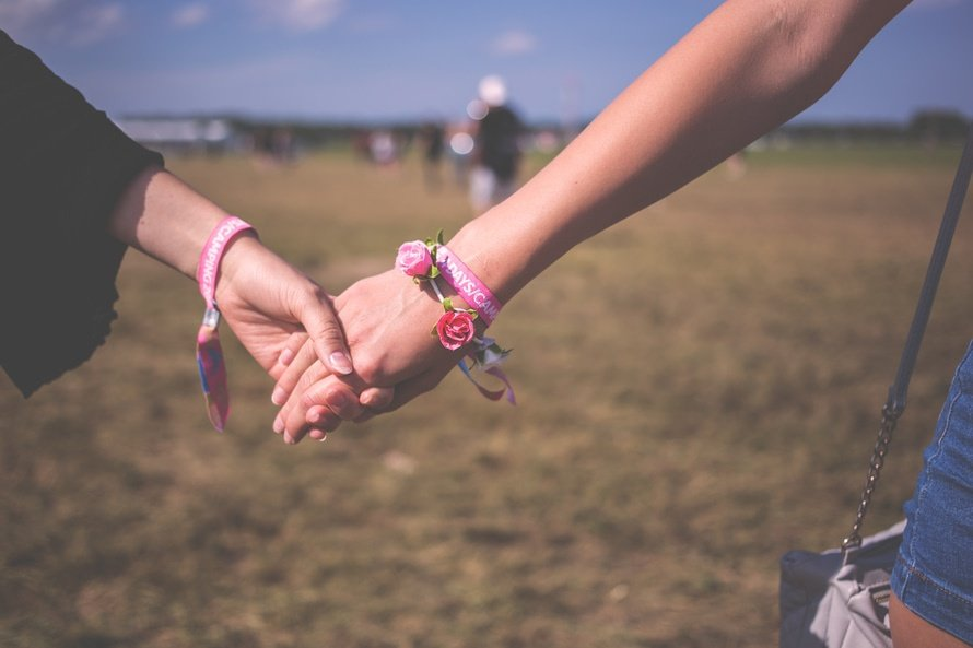 Helping a friend going through a divorce